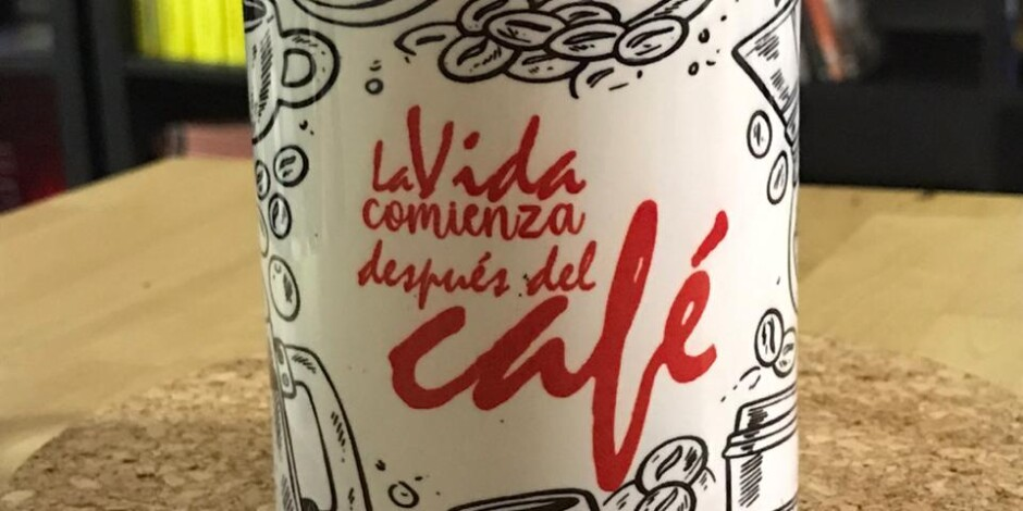 Taza  «La vida comienza después del café»